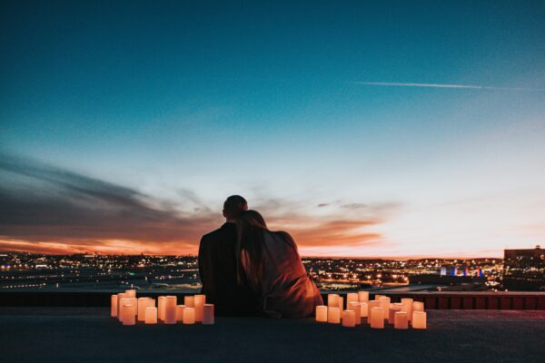 8 enkle tips til en romantisk helg hos amor.no